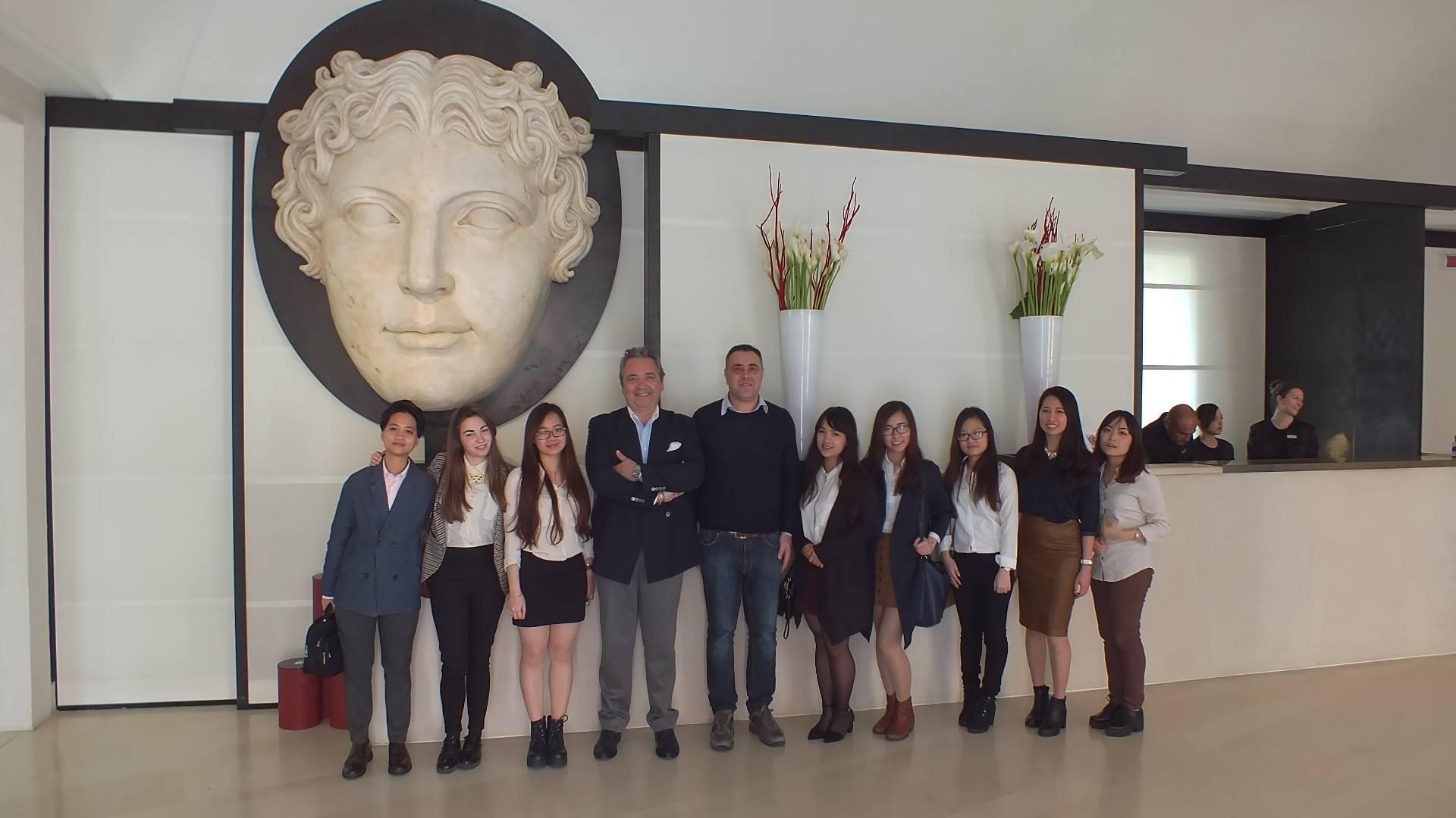 Sinh viên HANU thực t�p tại Khách sạn Melia Hotel - Naples, Italia